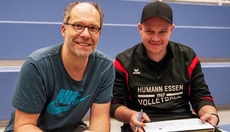 Übergabe: Peter Bach (l.) hat den Trainerjob von Jens Bräkling übernommen. Foto: Michael Gohl