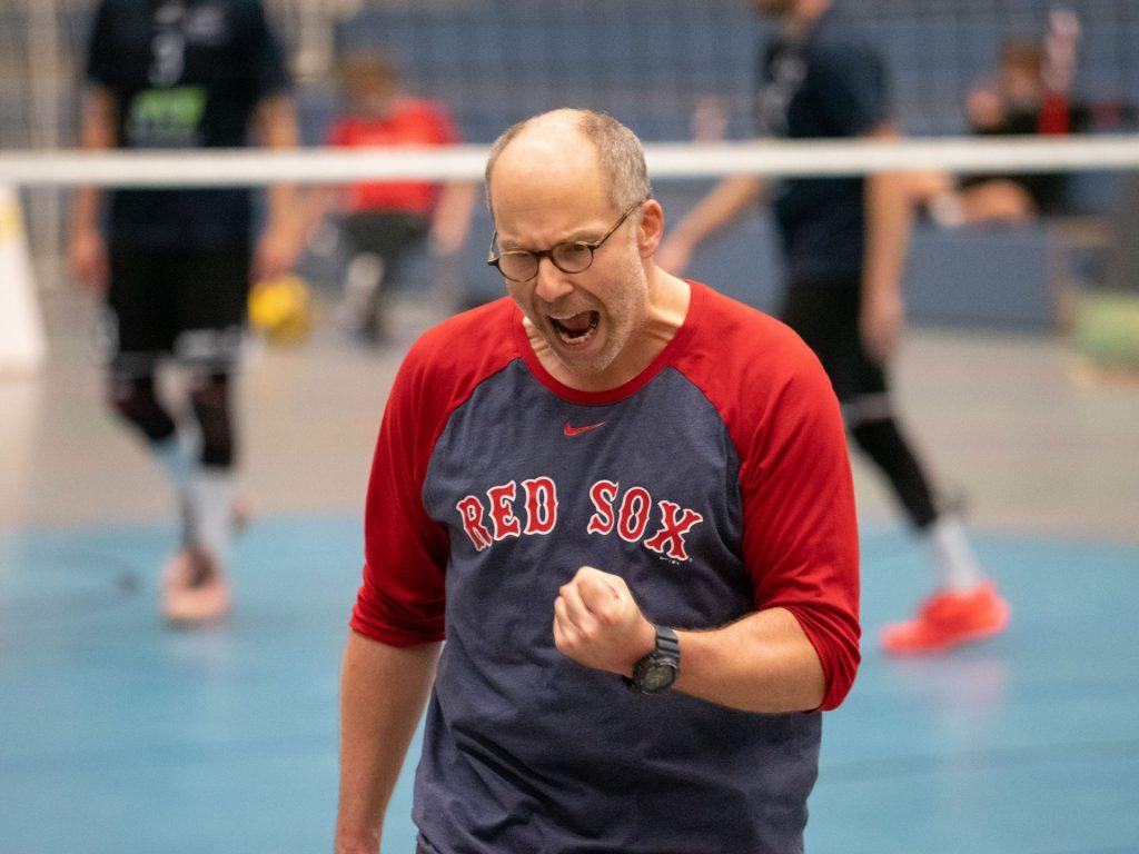 Foto: Trainer Peter Bach voller Emotionen im Spiel gegen den USC Braunschweig
